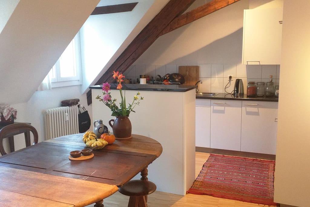 Dining area, kitchen