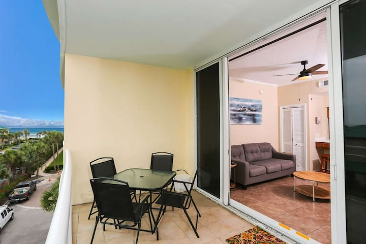 Newly Listed--Villas at Destin West--Enjoy the  Beach, Lazy River, Resort Pool and more!
