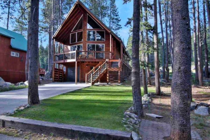 Gorgeous mountain cabin on Donner Summit w/Wi-Fi