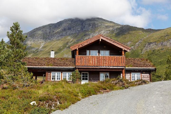 Furevins Lodge, Stryn