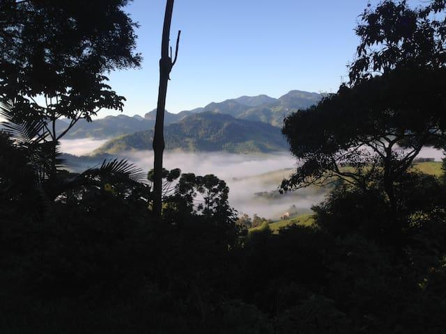 Chalé na montanha/ Gonçalves/ MG - Divinópolis - Casa