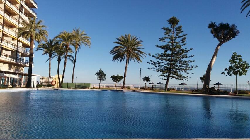 Great Discovery on the beach! - Torremolinos - Apto. en complejo residencial