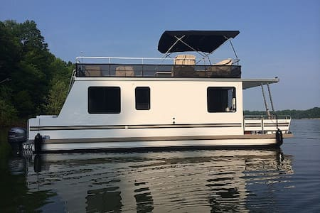 Floating Cabin Retreat - Manteo