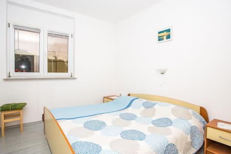Apartments Tatjana / One Bedroom A1 - Rab