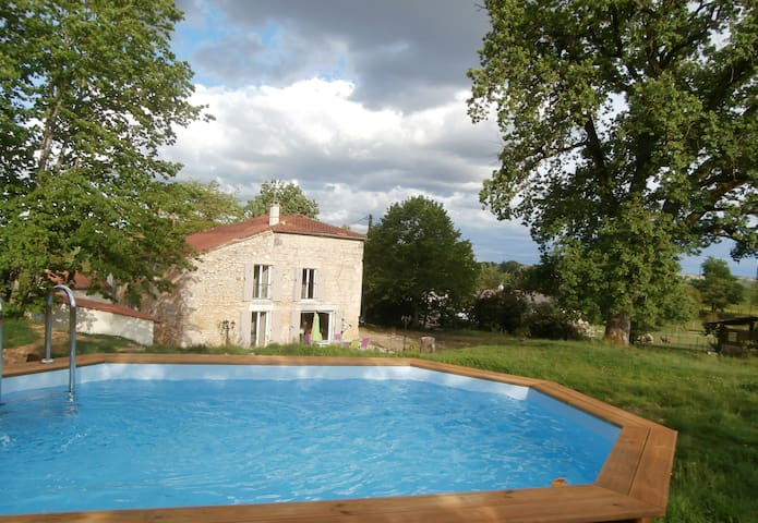 Demeure de charme avec piscine Sud-Ouest 3*