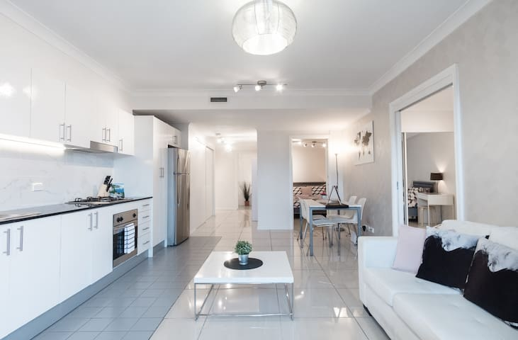 Bright and airy in the heart of Chippendale
