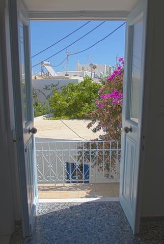 Jason's Apartments Paroikia, Paros.