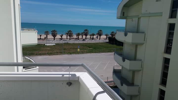 Meraviglioso duplex fronte mare