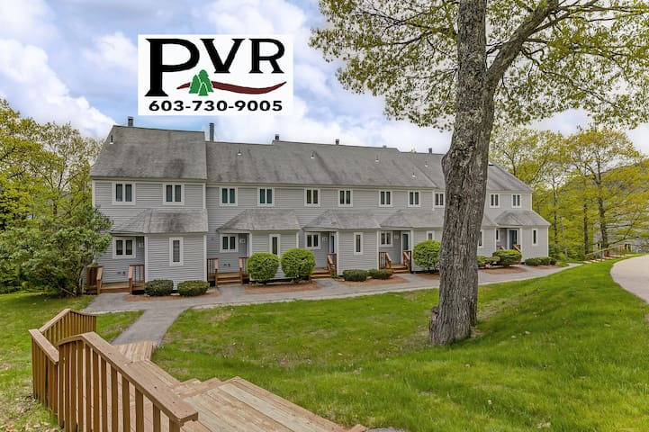 3BR Condo just 2 min from Storyland! Pool, Tennis, Deck w/ Grill, AC, WiFi! - 27 Partridge Woods
