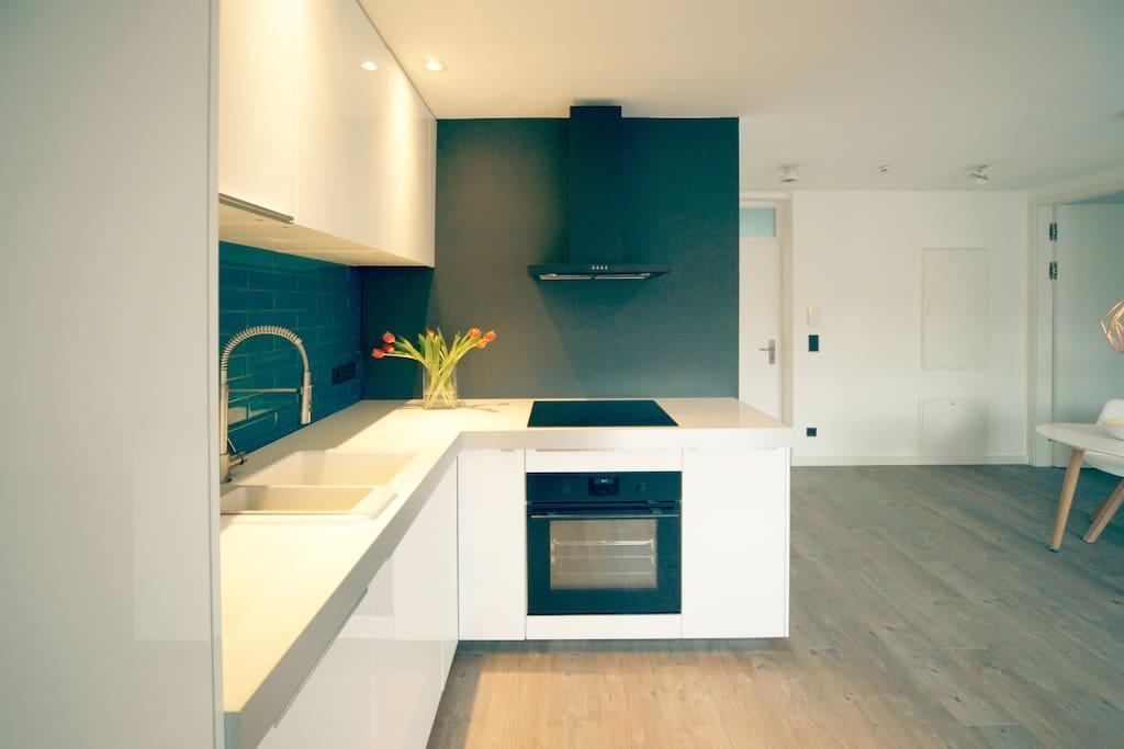 """PERFECT KITCHEN - die Küche ist """"löffelfertig"""" eingerichtet und lässt keine Wünsche beim Hobbykoch offen"""
