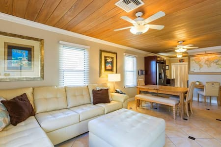 Family Friendly Beach Cottage on Madeira Beach, FL - House