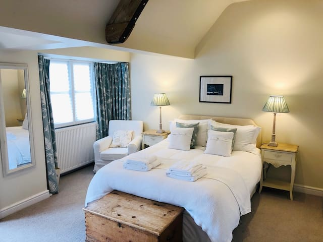 B&B in Beautiful Cotswold Annex