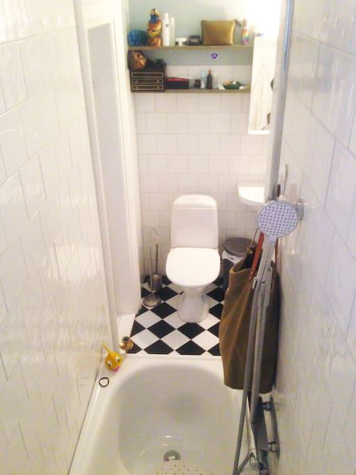 Newly renovated bathroom with underfloor heat