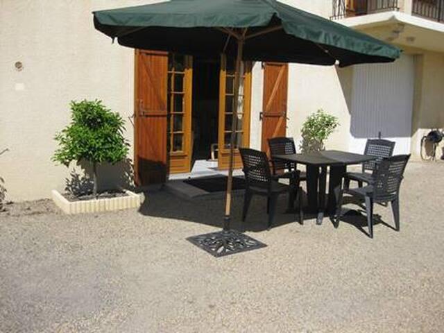 apartement meublé de 50 m2  en Camargue au calme - Saint-Gilles - 獨棟