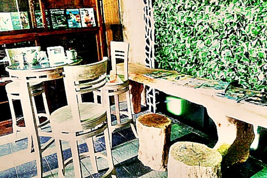 Magz House Cafetaria. Enjoy the breakfast at this tiny spot. Various magazines are available to read.