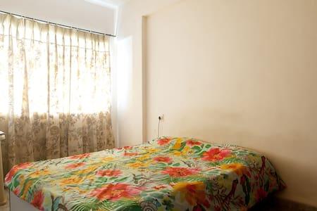 Safe,Private, Independent  room at Bhangur Nagar - Mumbai