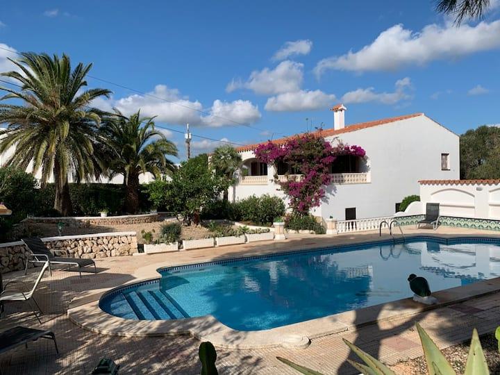 Villa Cas Sucrer: Large Private Pool, Walk to Beach, A/C, WiFi, Car Not Required                     - 3448