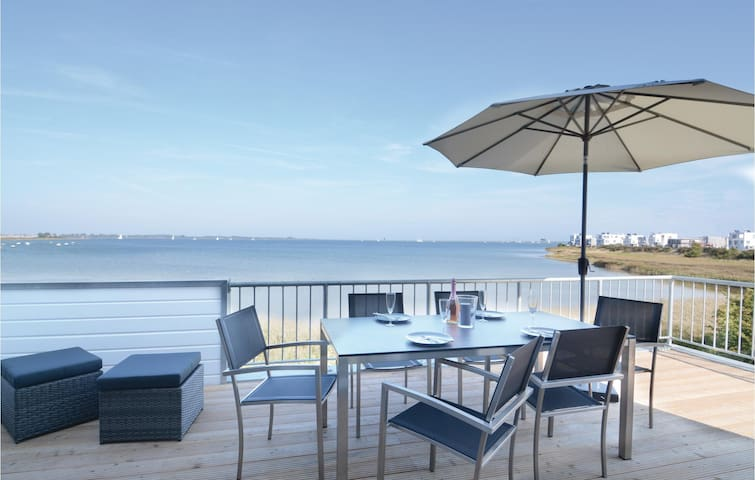 Holiday apartment with 2 bedrooms on 97 m² DSH447