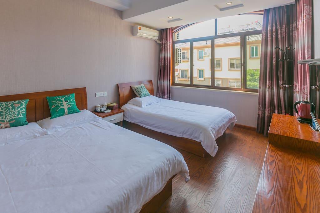 卧室1,家庭间1.5米宽+1.2米宽
