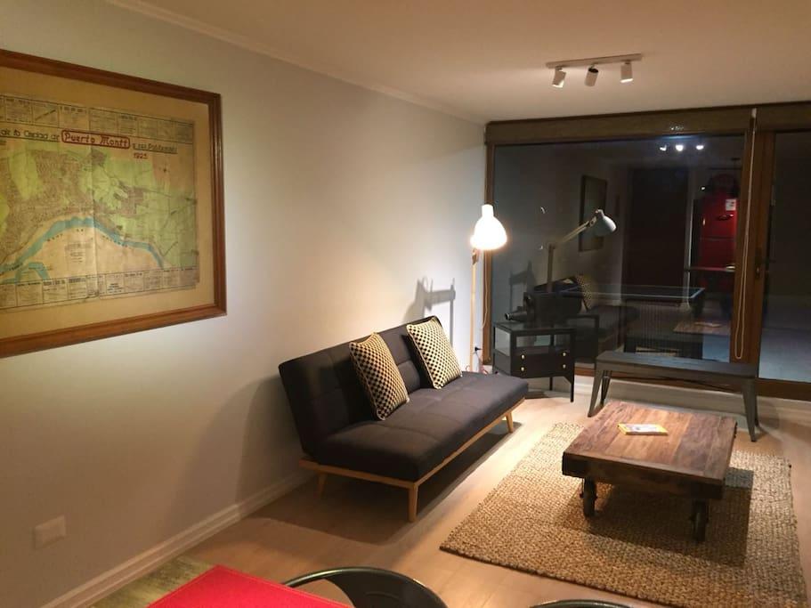 Sala de estar, se le puede poner otro sillón cama similar al de la foto
