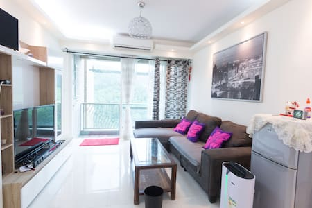 Business ready, large, new apartment in Lohas Park
