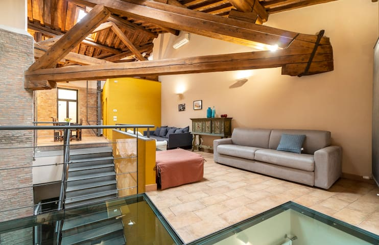 Gorgeous loft in the heart of town