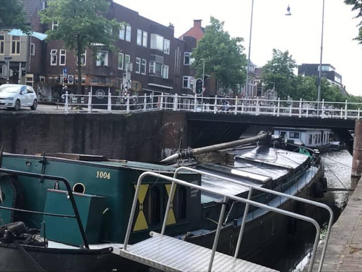Groningse woonboot op unieke locatie!