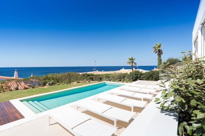 Villa con espectaculares vistas al mar en Menorca