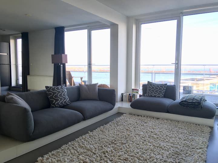 Luxurious  Private Loft