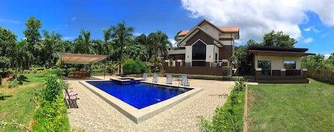 Exclusive VILLA with POOL for 8pax + 50mbps WIFI