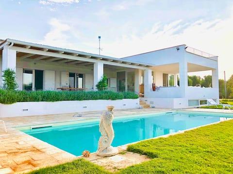 Casa Luna,Superbe villa et son trullo traditionnel