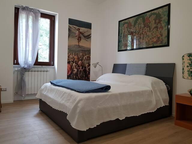 Appartamento A - Camera da letto n. 2 -  (bagno indipendente)