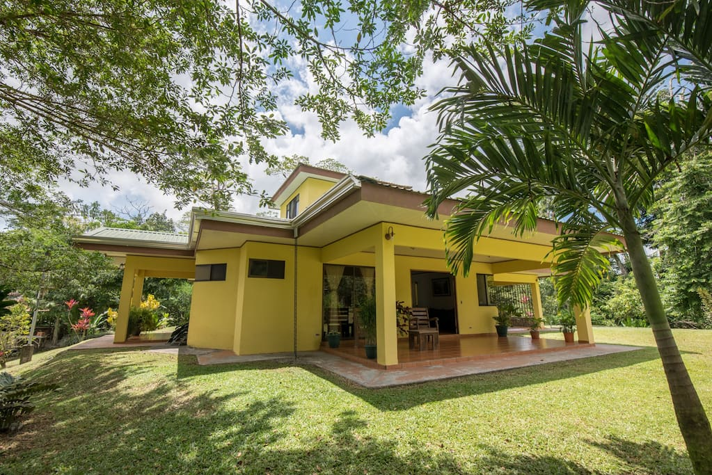 Arenal luxury paradise home rental villas for rent in la for Villas for rent in costa rica