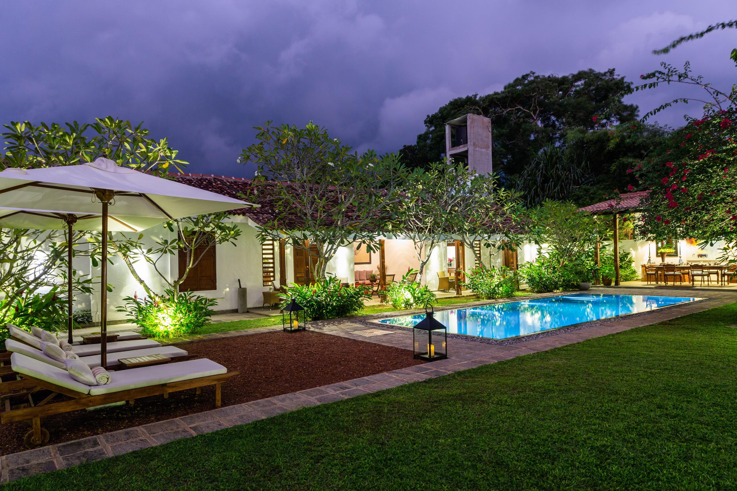 Luxury Three Bedroom Villa(Taru Villas Rock Villa)