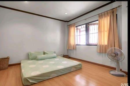King Bed + Fan - Chalong - 别墅