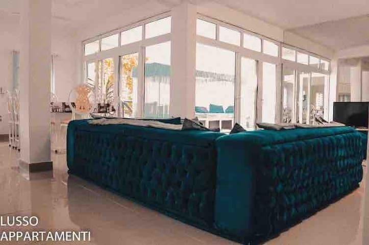 Lusso Appartamenti - Continental chef included