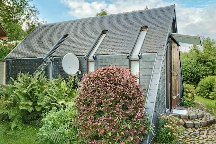 Chalet met mooie privé tuin - Sankt Vith - กระท่อม
