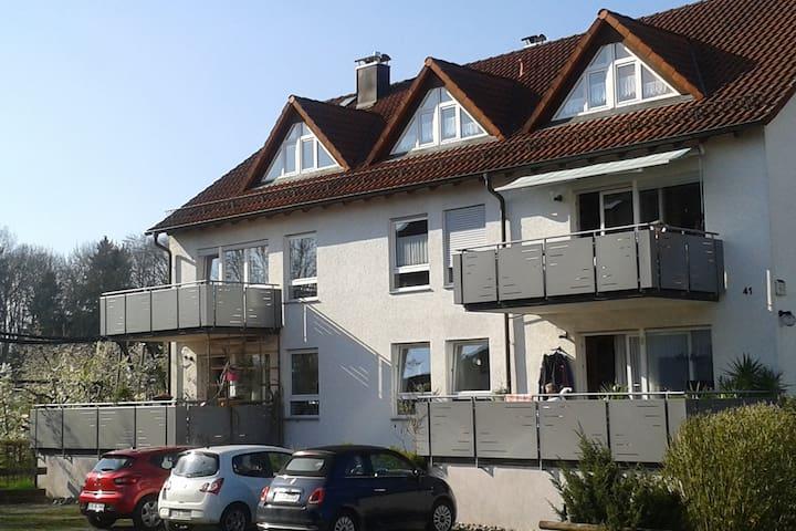 Ruhige Dachwohnung in Friedrichshafen-Fischbach - Friedrichshafen - Leilighet