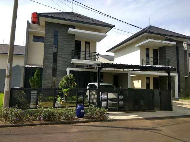 The Dalem Guest House - Jawa Barat, ID - House
