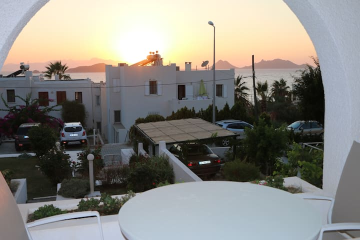 Spacious Summer Stay with Sun Set View - Turgutreis Belediyesi - Apartemen