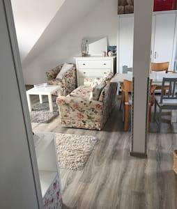 Gemütliche Wohnung Landhausstil - Diez - Huoneisto