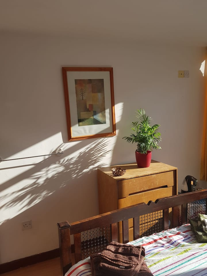 Bright and airy Southside, double room