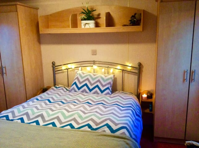 Double bedroom in Beach Chalet - Whitstable