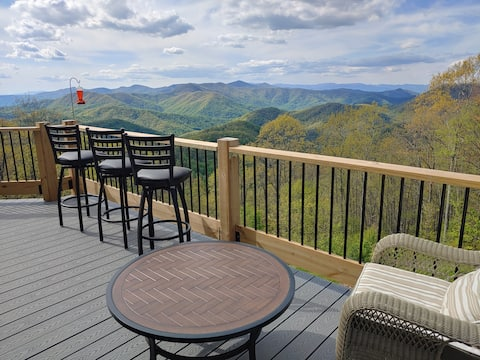 Mtn Top Cabin/Incredible Views/in Western NC