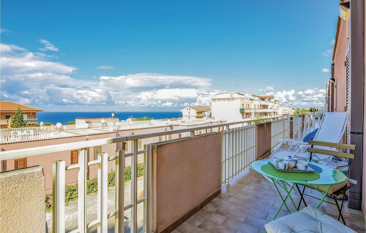 Holiday apartment with 2 bedrooms on 56m² in Finale di Pollina (PA)