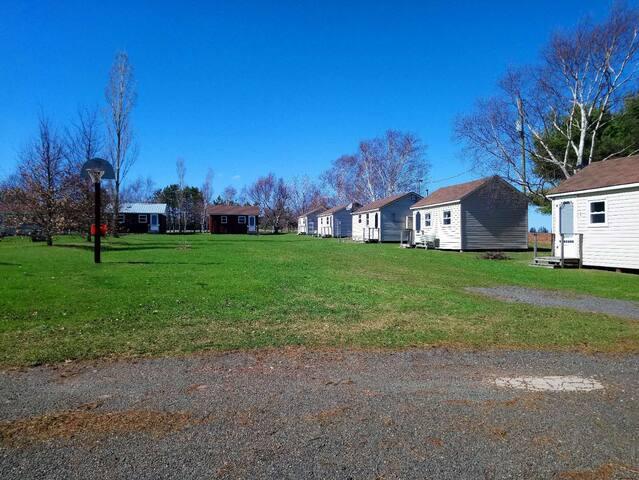 Rachel's Motel & Cottages  Cottage#8
