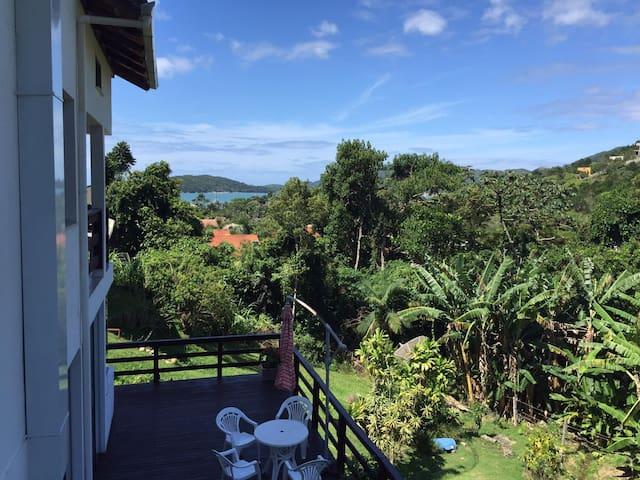 Casa Porto Belo em meio à natureza proximo à praia