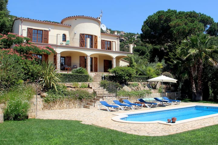 Beautiful villa near Calonge with private swimming pool, privacy, peace and great view
