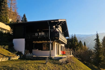 SWATCHmaker's Big+Cosy Chalet+Jacuzzi/Pet friendly
