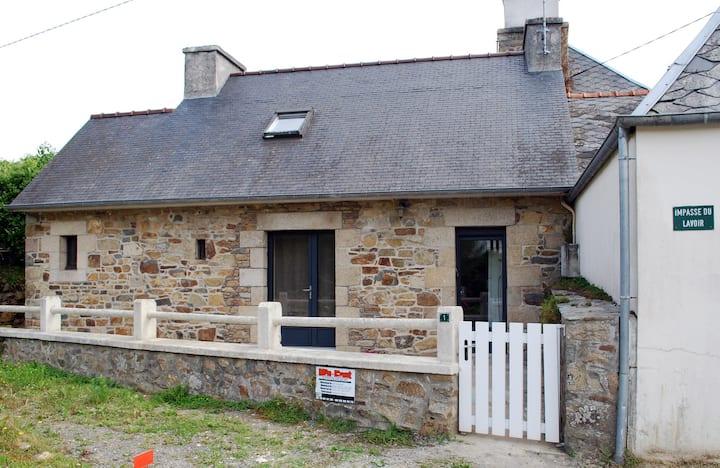 Petite maison de charme située à la Roche Jaune